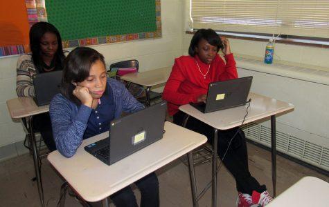 Freshmen Receive Chromebooks