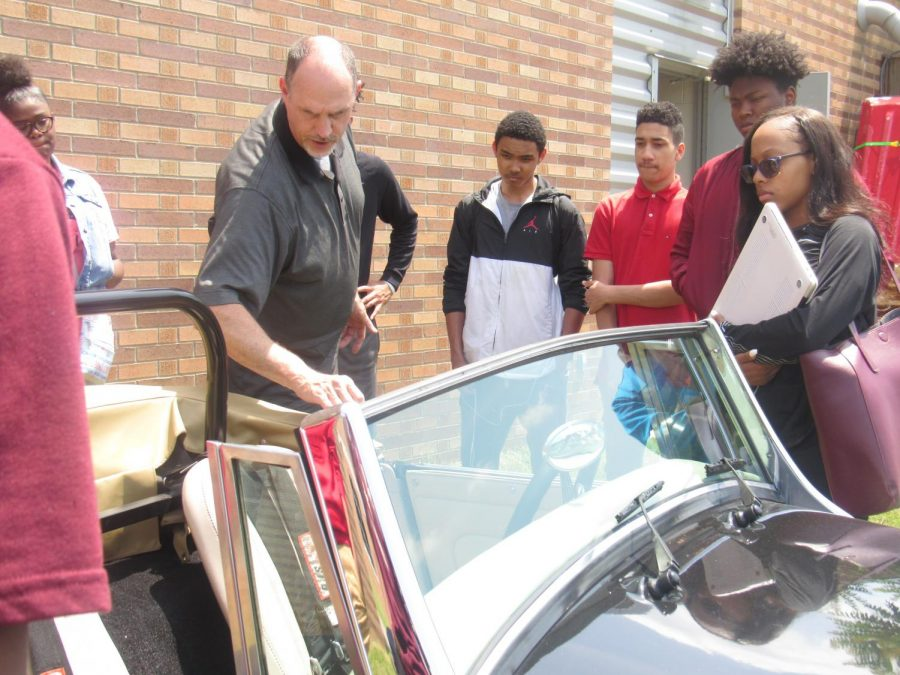 Students+Interact+While+Mr.+Martin+Highlights+Classic+Cars