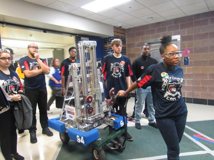 Robots+Go+Retro+During+This+Year%27s+Robotic+Competition%21%21